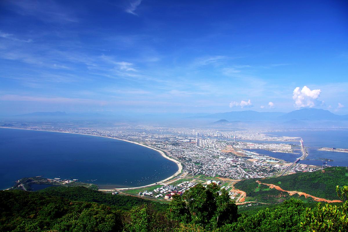 Đỉnh Bàn Cờ địa điểm du lịch ở Đà Nẵng